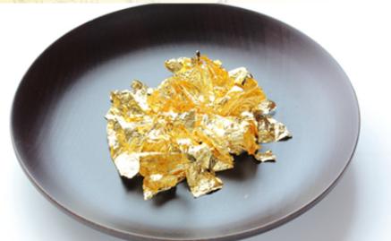 バンビウォーターゴールドは金粉を贅沢配合